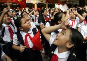 VIETNAM-EDUCATION-SCHOOL-PUPILS